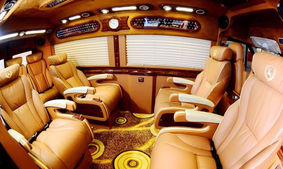 Thinh Phat Limousine inside
