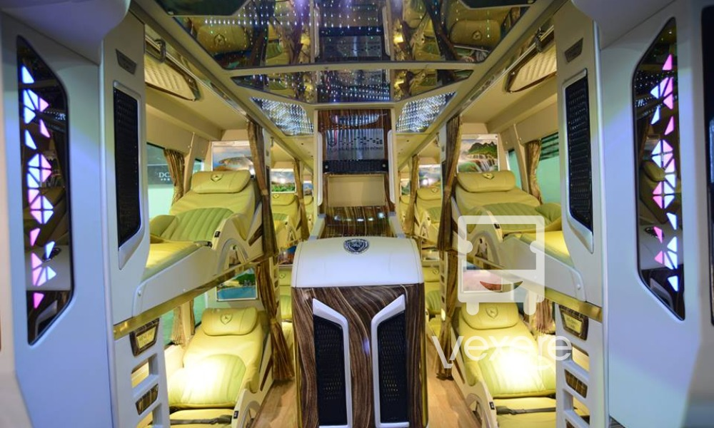 Limousine to Cam Ranh from Sai Gon: Tra Lan Vien Bus
