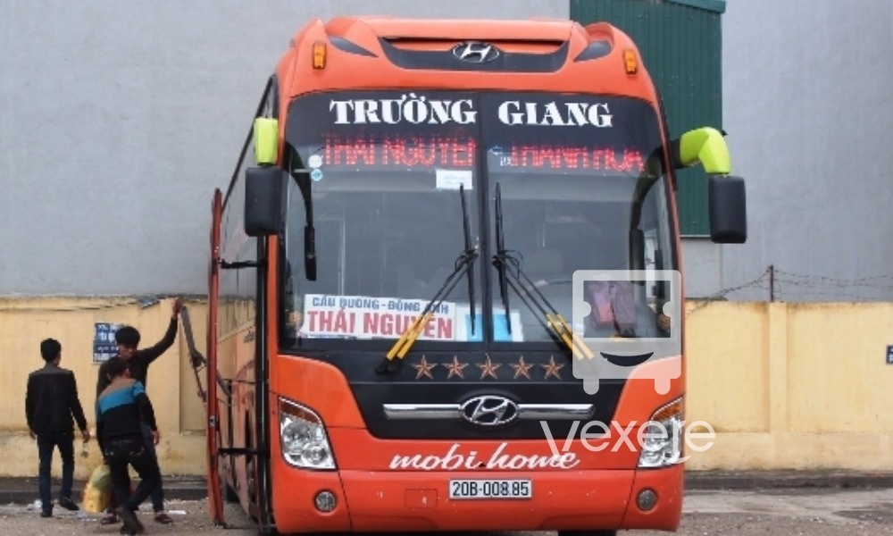 Trường Giang bus - VeXeRe.com
