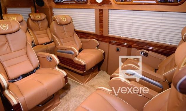 Limousine 9 chỗ VIP Limousine Trường Thanh