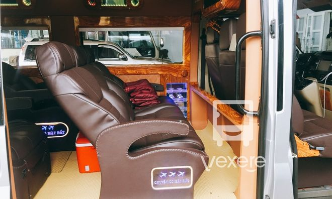 Xe Trung Ly Limousine - VeXeRe.com