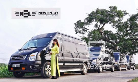 Limousine 9 chỗ VIP New Enjoy