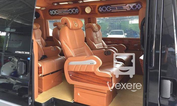 Xe ADT Limousine đi Mũi Né từ Sài Gòn
