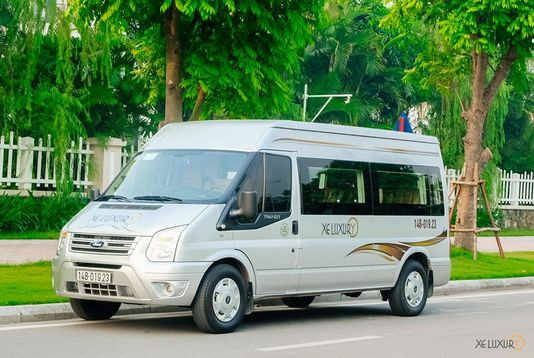 Limousine 9 chỗ VIP Luxury Transport