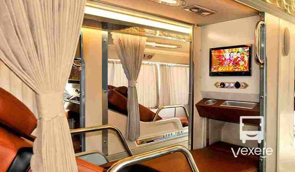 Limousine to Phu Yen: Thanh Ban Limousine