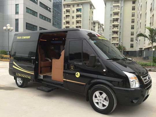 Limousine 9 chỗ VIP BEEGROUP