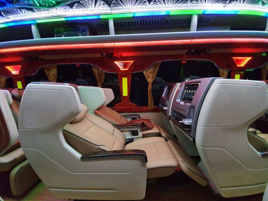 Xe Thiện Thành Limousine undefined